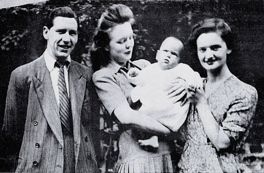 Timothy Evans (left), Beryl Evans (right), and Geradline, being held by Evans' half-sister, Mary Westlake.