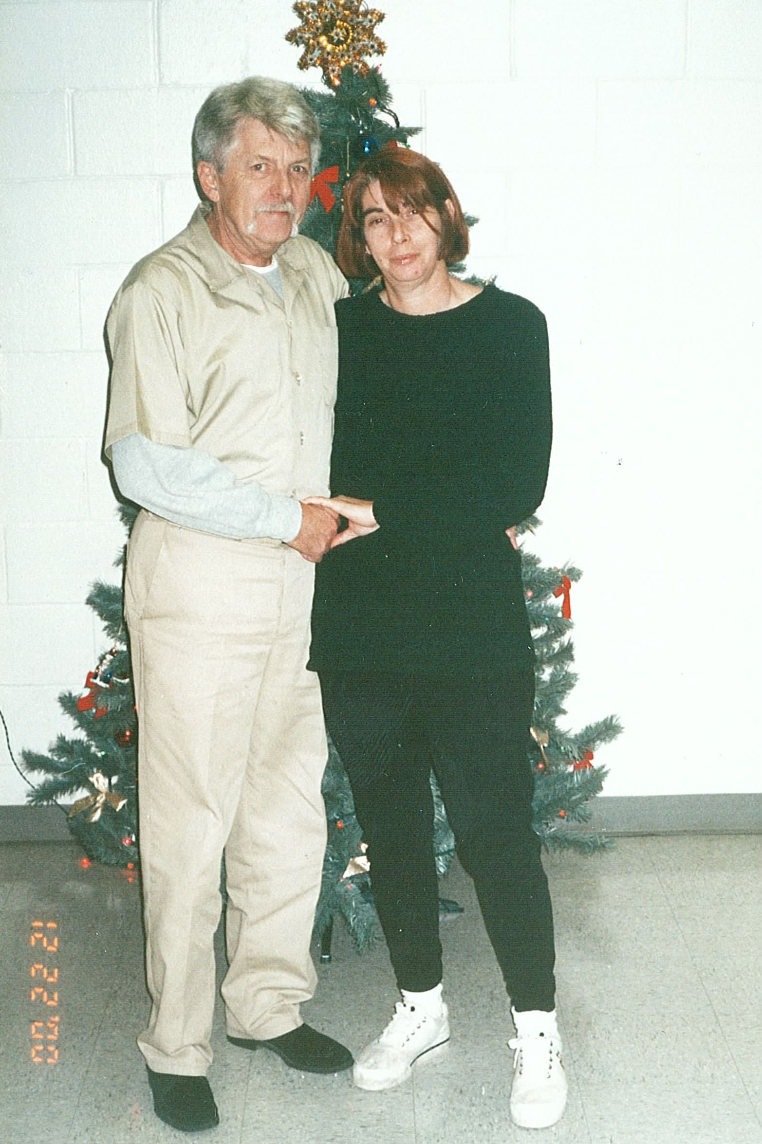 Les and Judy Rogge at Christmas in 2000 at USP Beaumont, TX
